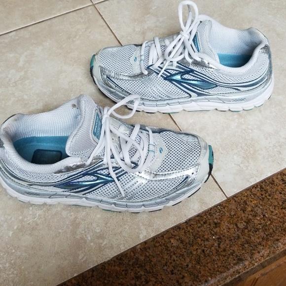 0ccd654dcec Brooks Shoes - Brooks Addiction MOGO DNA shoes